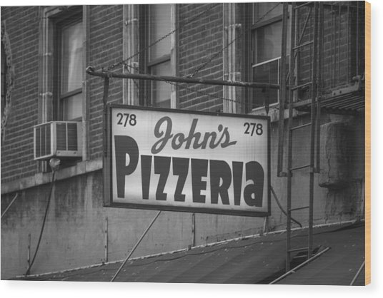 John's Pizzeria In Nyc Wood Print