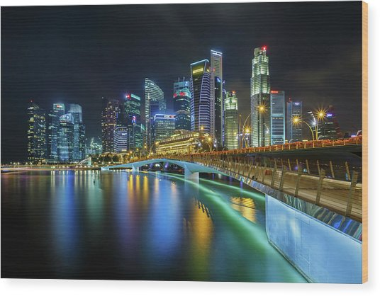 Jubilee Bridge Singapore Wood Print by Photography By Spintheday