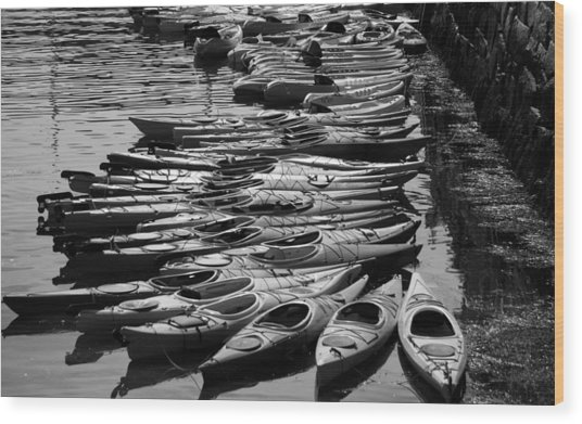 Kayaks At Rockport Black And White Wood Print
