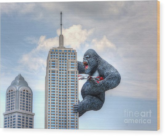 King Kong Comes To Myrtle Beach Wood Print
