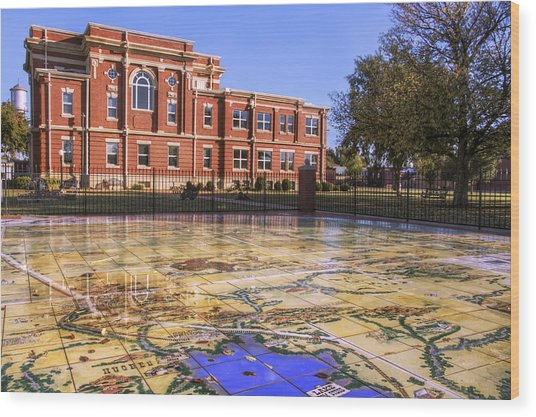 Kiowa County Courthouse With Mural - Hobart - Oklahoma Wood Print