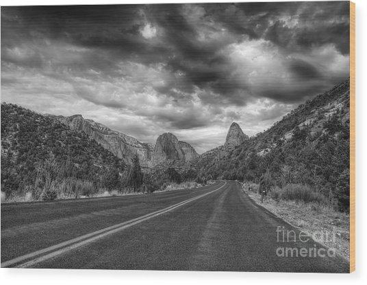Kolob Canyon Black And White Wood Print