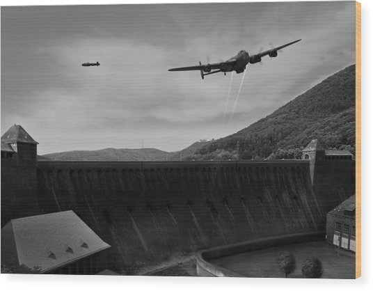 L For Leather Over The Eder Dam Black And White Version Wood Print