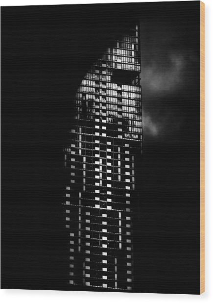 L Tower Toronto Canada Wood Print