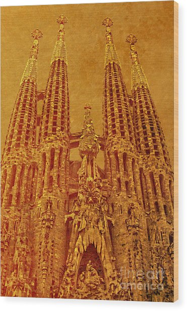 La Sagrada Familia Wood Print