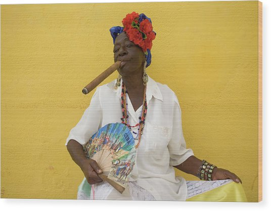Lady With Fan And Cigar, Old Havana Wood Print
