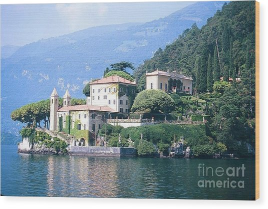Lake Como Palace Wood Print