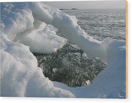 Lake Superior Ice Arch Wood Print