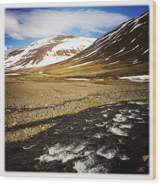 Landscape In North Iceland - River And Mountain Wood Print