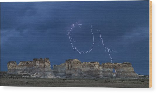 Lariat Lightning At Monument Rocks Wood Print