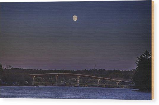 Last Moon Rise Wood Print