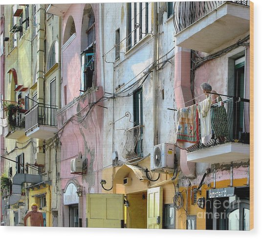 Laundry Day In Procida Wood Print