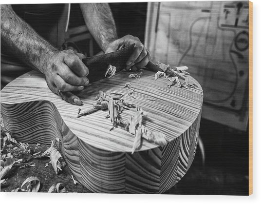 Le Luthier Wood Print