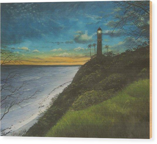 Leahi Lighthouse Wood Print by Wallace Kong