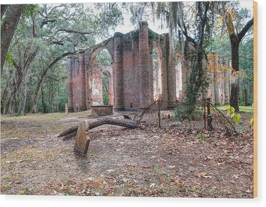Leaning Tomb - Old Sheldon Church Ruins Wood Print