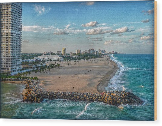 Leaving Port Everglades Wood Print