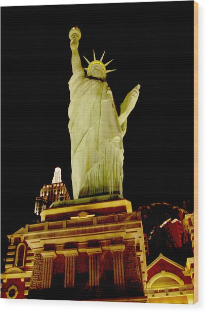 Liberty In Las Vegas Wood Print