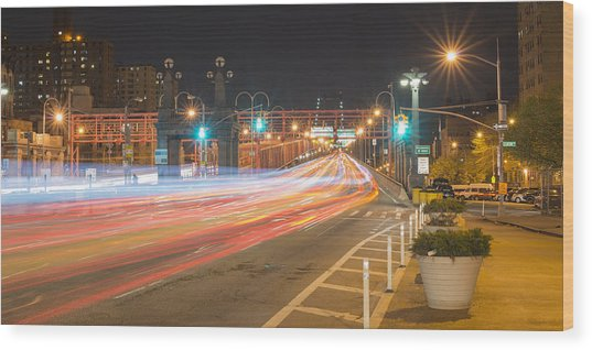 Light Traffic Wood Print
