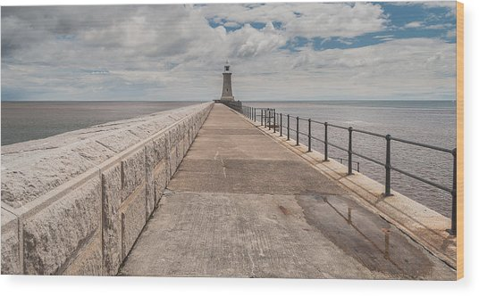 Lighthouse In North Shields Wood Print