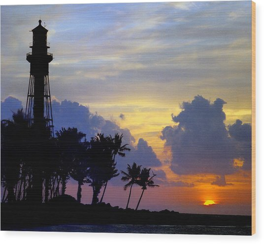 Lighthouse Point Sunrise 2 Wood Print