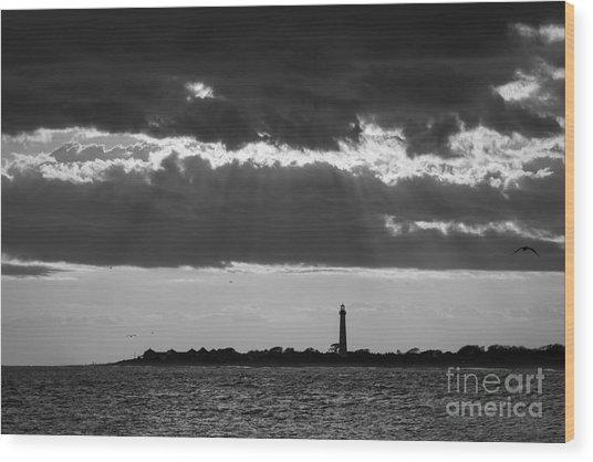 Lighthouse Sun Rays Bw Wood Print