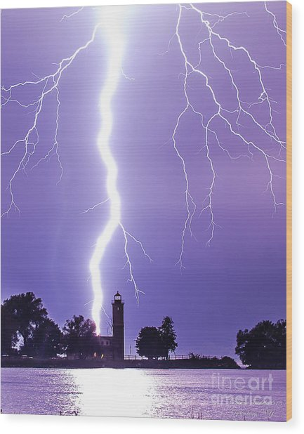 Lighting The Lighthouse Up Wood Print