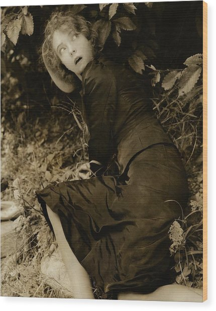 Lillian Gish As The Harlot In Within The Gates Wood Print