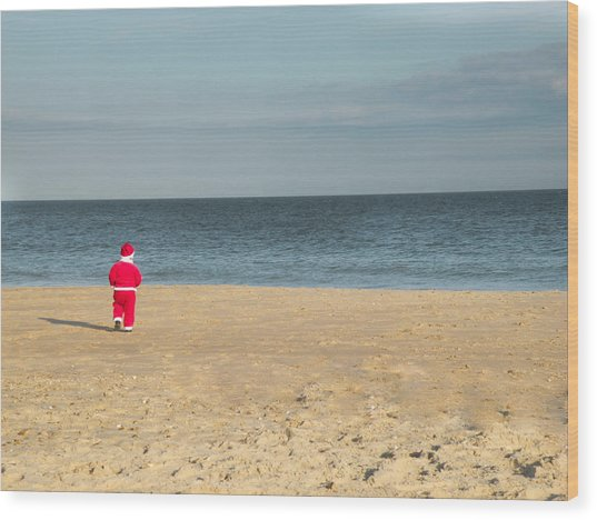 Little Santa On The Beach Wood Print