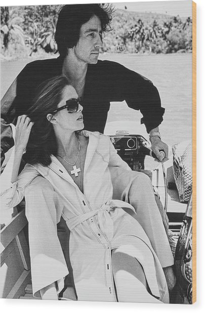 Lois Chiles And Sam Waterston On A Boat In La Wood Print