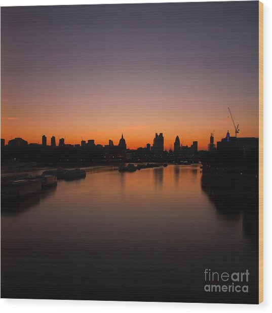 London Sunrise 2 Wood Print