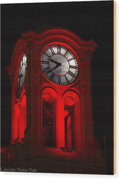 Long Beach Pine Ave. Clock Tower In Red Wood Print