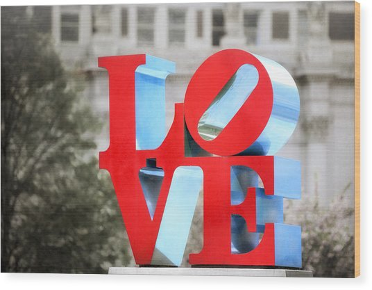 Love Sculpture - Selective Color - Philadelphia Wood Print