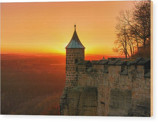 Low Sun On The Fortress Koenigstein Wood Print