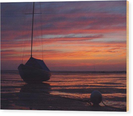 Sunrise At Low Tide Wood Print