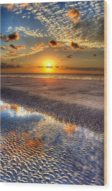 Low Tide Sunrise On Jekyll Island Wood Print