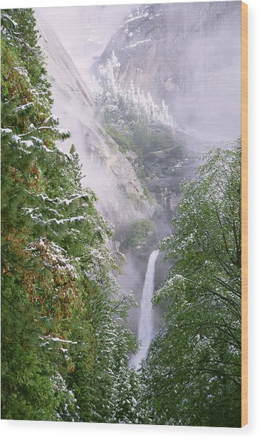 Lower Yosemite Falls After A Spring Storm Wood Print by Richard Berry