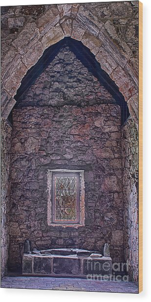 Macleod Tomb St Clements Rodel Wood Print by George Hodlin