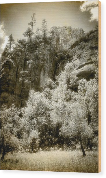 Magic Cliffs Outside Sedona Wood Print