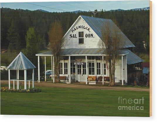Magnolia Saloon Wood Print