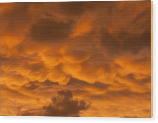 Mammatus Clouds Wood Print