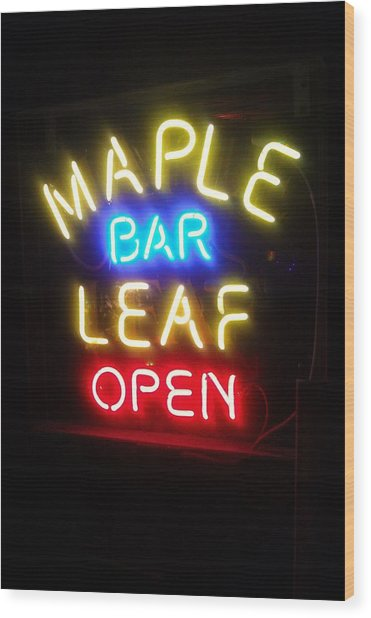 Maple Leaf Bar Wood Print