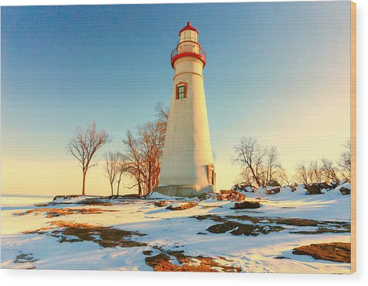 Marblehead Ohio Lighthouse Sun And Snow Wood Print