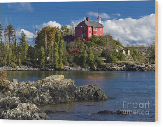 Marquette Harbor Light - D003224 Wood Print