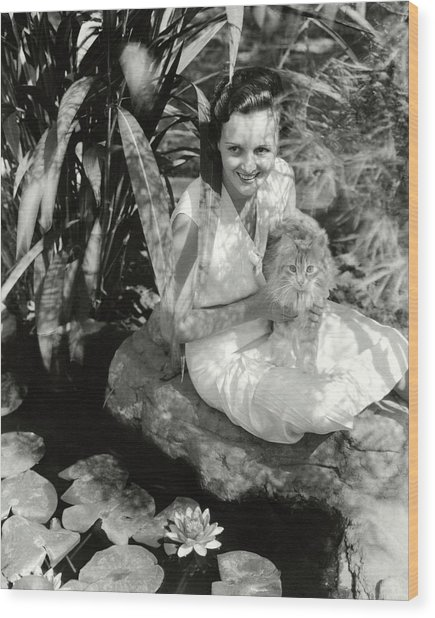 Mary Astor Holding A Cat Wood Print