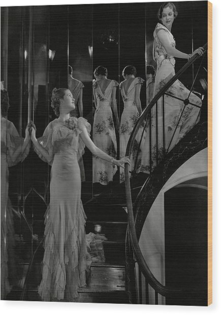 Mary Taylor And Anne Whitehead On A Staircase Wood Print by Edward Steichen