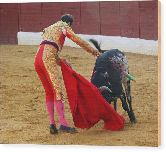 Matador Stabbing Bull Wood Print by Dave Dos Santos