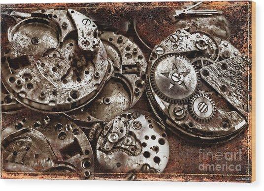 Rusty Watch Mechanism Wood Print