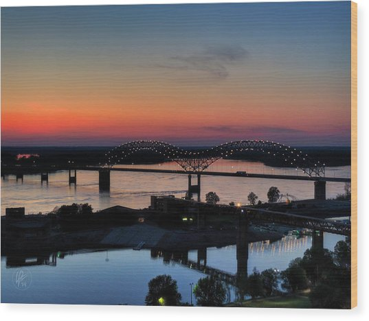 Wood Print featuring the photograph Memphis Sunset On The Mississippi 004 by Lance Vaughn