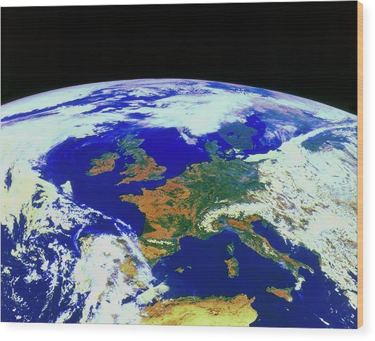 Meteosat Image Of Europe Wood Print by Esa/kevin A Horgan/science Photo Library