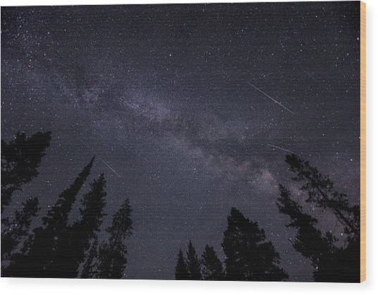 Meteors And The Milky Way Wood Print